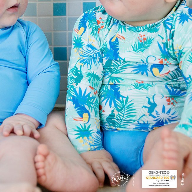 Maillot de bain b b bleu for Bebe couche piscine